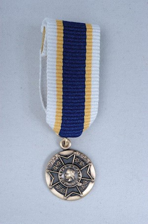 MINIATURE WAR SERVICE MEDAL LARGE