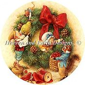 Heaven and Earth Designs - Decorating The Wreath Ornament THUMBNAIL