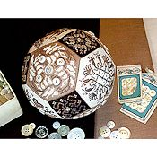 Amaryllis Artwork - The Quaker Button Ball THUMBNAIL