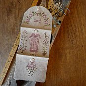 Stacy Nash Primitives - Spring Gardener Sewing Roll