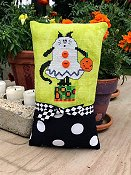Amy Bruecken Designs - Boo Kitty