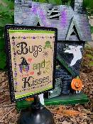 Pickle Barrel Designs - Bugs And Kisses THUMBNAIL