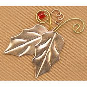 Puffin & Company Magnetic Needle Nanny - Holly Leaves