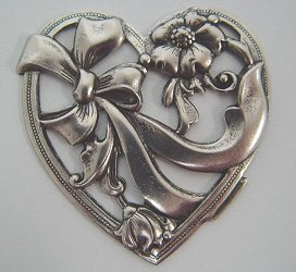 Charm Heart with Ribbons MAIN