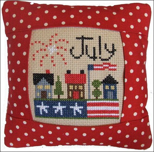 Pine Mountain Designs - Small Pillow Kit - July MAIN