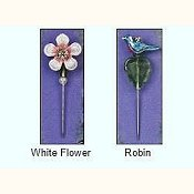 Just Nan - Charm Garden Pin - White Flower and Robin