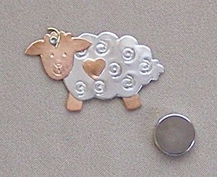 Puffin & Company Magnetic Needle Nanny - Sheep MAIN