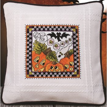 Prefinished Pillow - Halloween - 18ct Anne Cloth