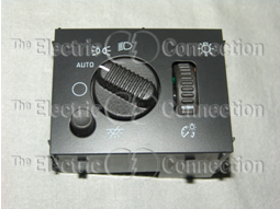 D1595G Headlight Switch / Chevrolet & GMC Trucks & SUVs w/Auto Headlights / 2003-2006; 2007 Classic