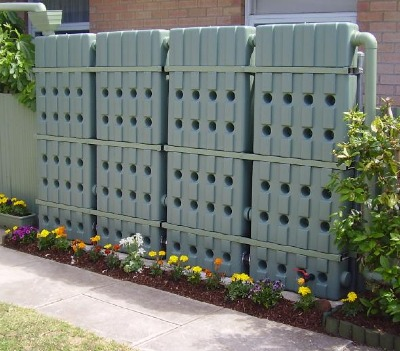 Original Aboveground 58 Gallon (200 Liters) Modular Rainwater Tank Fence by Contain