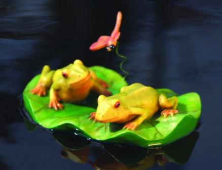 Aquascape Water Garden & Pond Floating Decorations - Frog Pair with Dragonfly