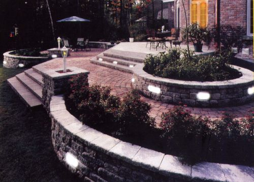 Retaining Wall Landscape Lights : Landscape Lighting - Solar, LED, & 12-V / Paver, Deck/Dock, Stair & Retaining Wall / Retaining ...
