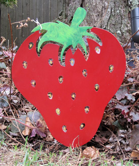 Strawberry Garden Stake - Hand Crafted Metal Garden Art Decor