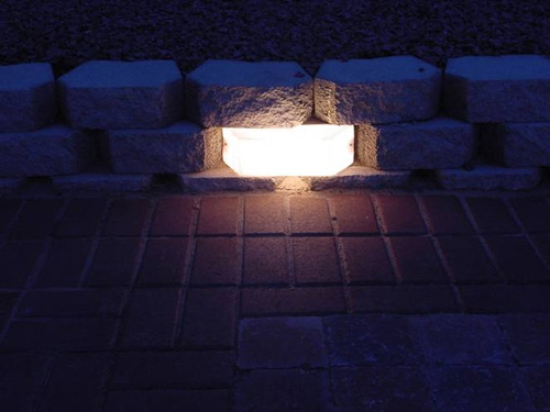 "Kerr Lighting 12 Volt Garden Wall Lights 4"" x 12"" For 4"" Thick Modular Retaining Wall Systems_THUMBNAIL"