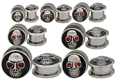 SE0663 Skull with Red Gem Eye Threaded Ear Tunnel MAIN