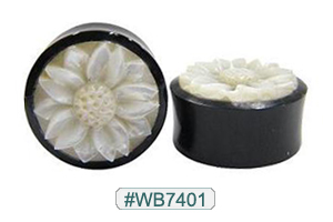 WB7401 Black Horn Plug with White Shell Flower MAIN