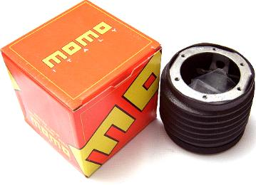 MOMO - E30 Hub Adapter Kit MAIN