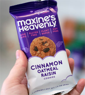 Maxine's Heavenly Cinnamon Oatmeal Raisin Cookies 2-pack_LARGE